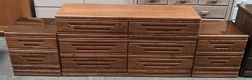 Gorgeous 6-drawer dresser with 2 matching nightstands