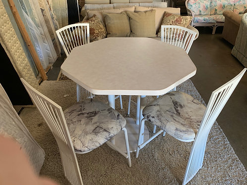 Lanai Table With 4 Chairs