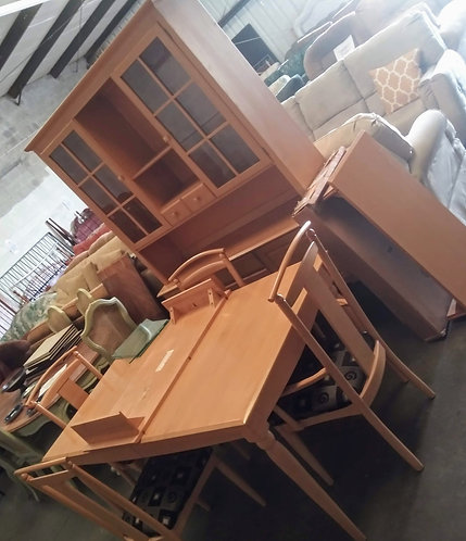 Ethan Allen dining room table with 4 gorgeous chairs and matching hutch