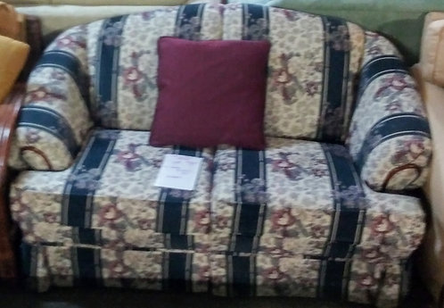 Great quality and very affordable floral love seat