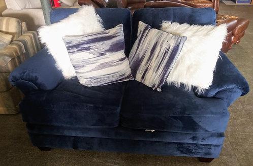 Super chic and very comfortable love seat in pristine condition!