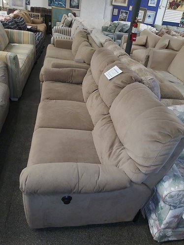 beautiful reclainer sofa