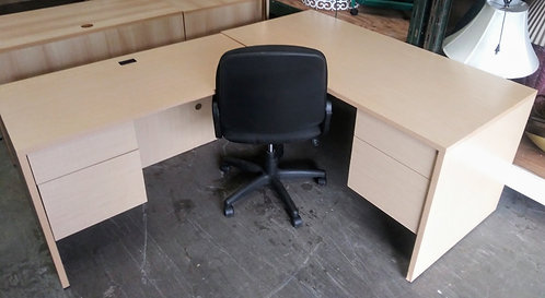 2 L-shaped desks, great for your home office!