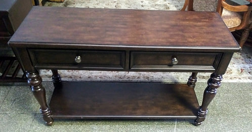 Modern style entry/sofa table in pristine condition!