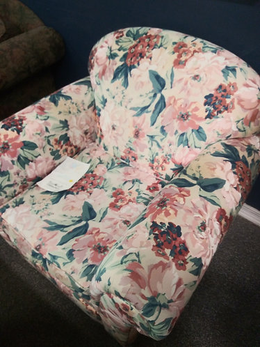 Floral Arm Chair that really pops!