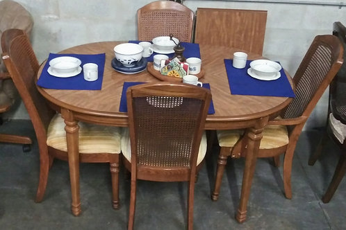 amazing dining  table with 4 chairs