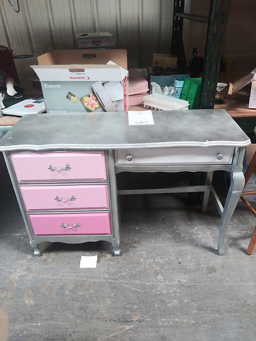 beautiful pink and grey desk