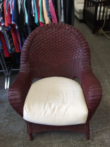 beautiful and affordable wicker arm chair
