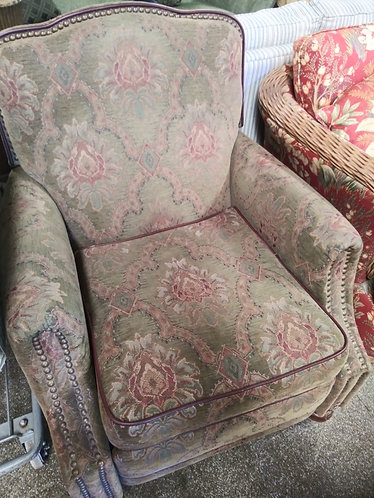 Comfortable Dark Green Floral Patterned Recliner
