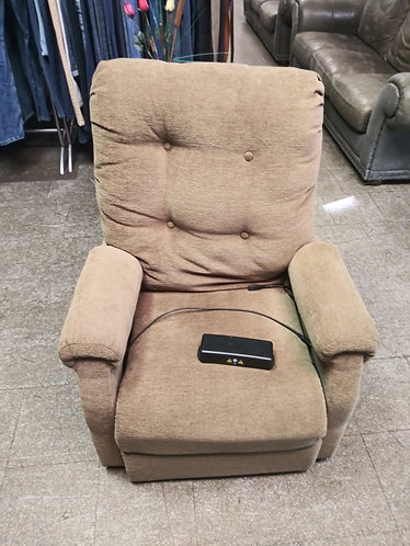 Electric recliner in great condition!