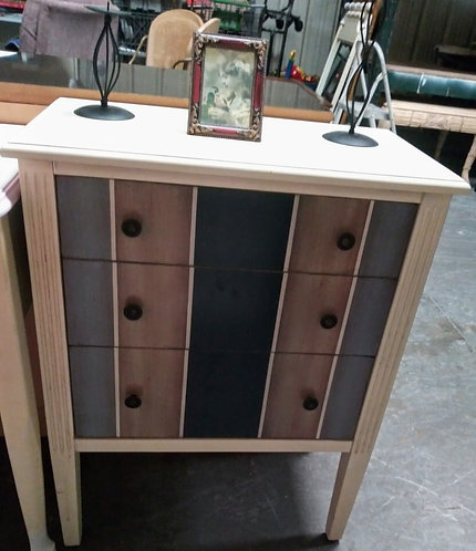 Really cute 6-drawer cabinet
