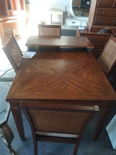 nice dining room table with 4 chair