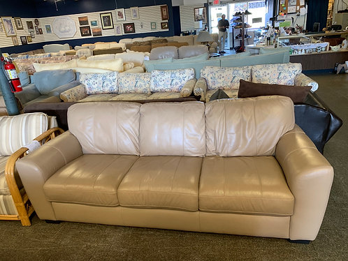 Gorgeous Leather Couch and Loveseat