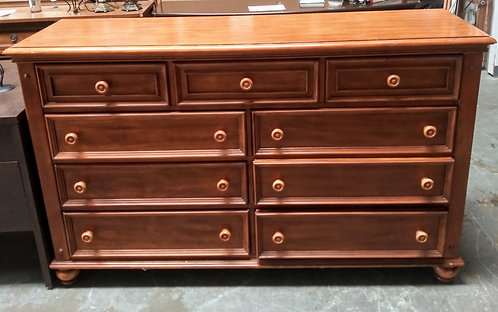 Solid wood 6-drawer dresser and nightstand