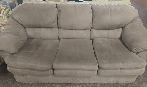Immaculate gray microfiber loveseat! Was just professionally cleaned!