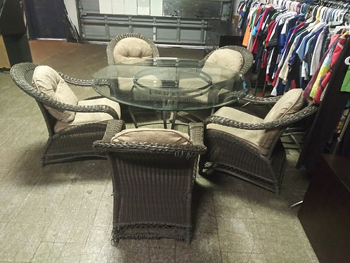 Dark brown wicker glass top lanai set with 5 cushioned chairs!