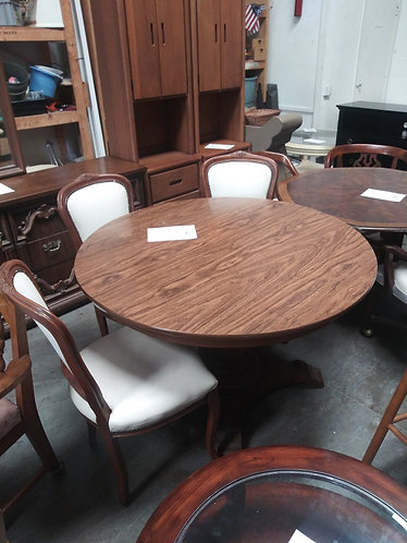 dining room table with 3 chair