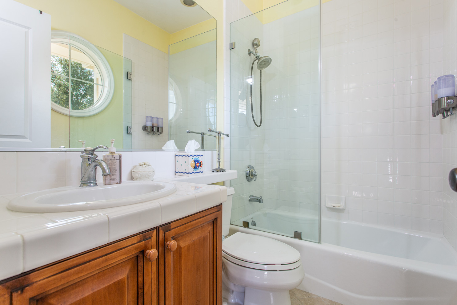1543 Sycamore Canyon Dr - HsH Prod.-43.j