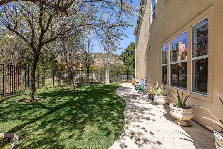 1543 Sycamore Canyon Dr - HsH Prod.-47.j