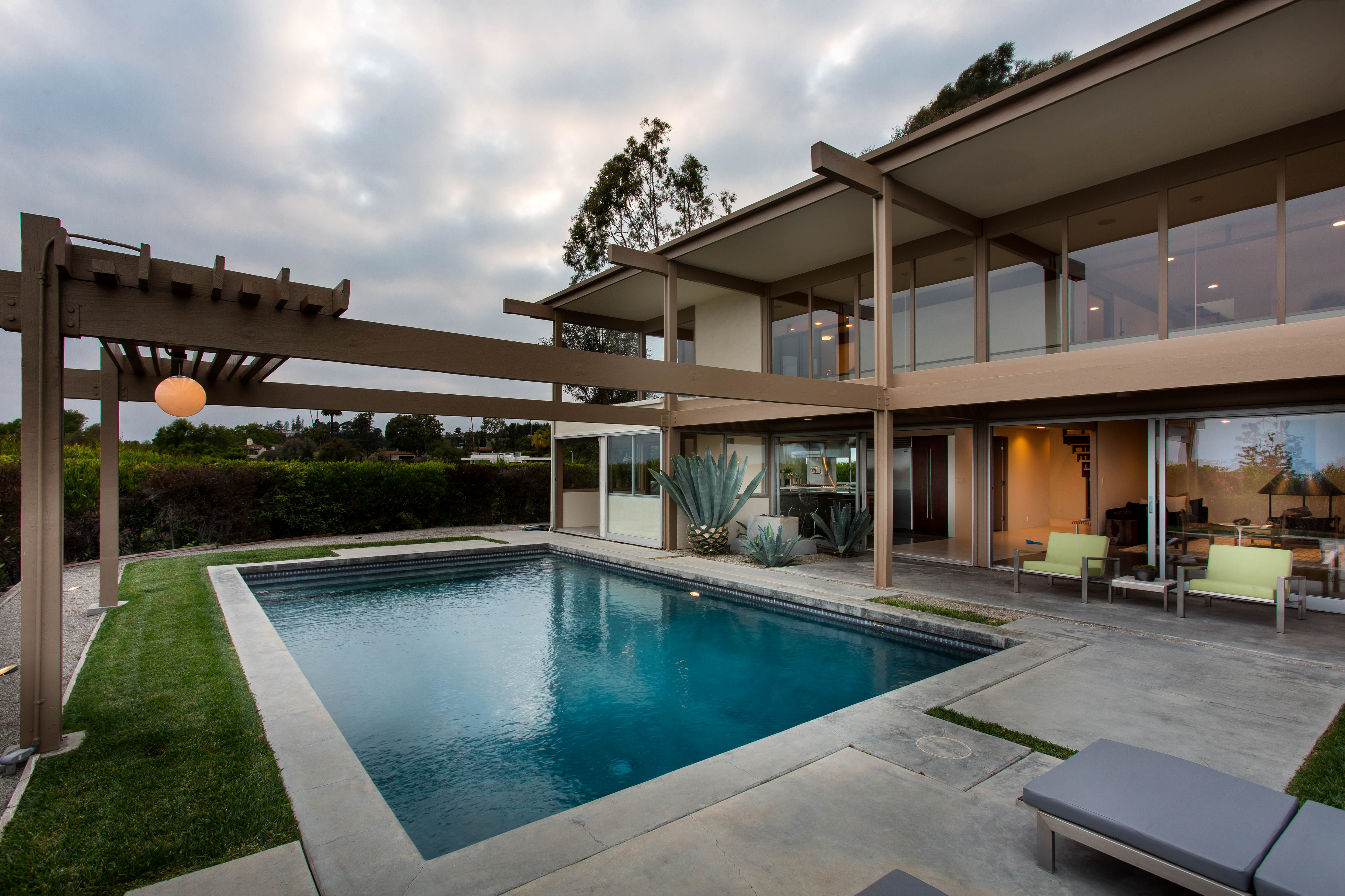 9892 Beverly Grove Drive  -  HsHProd-50