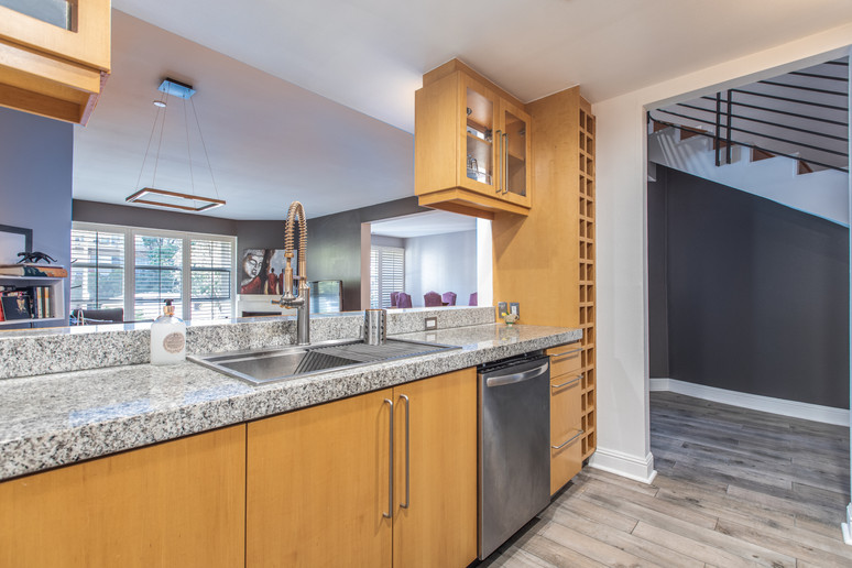 1521 Greenfield Ave. #101 - HsH Prod.-30