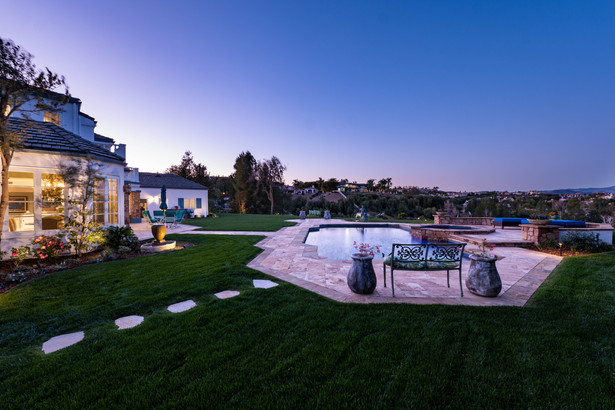 5933 Annie Oakley Road  -  HsHProd-7012.