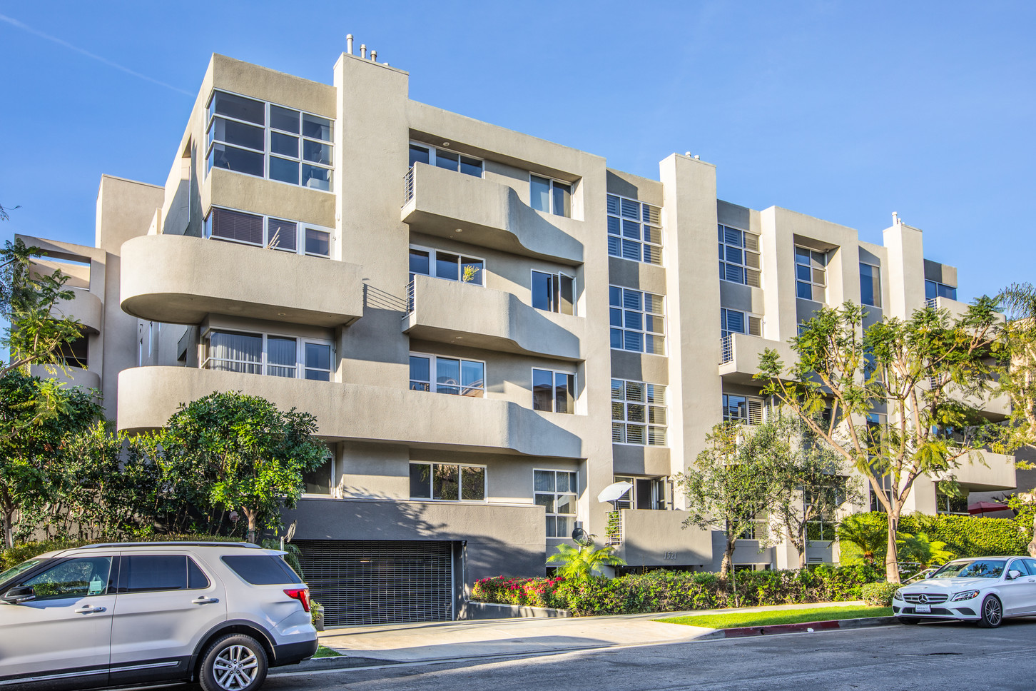 1521 Greenfield Ave. #101 - HsH Prod.-12