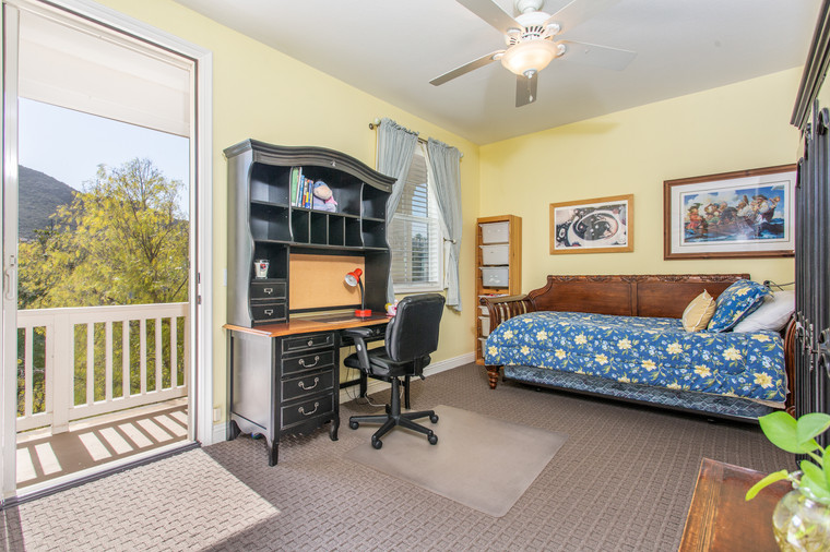 1543 Sycamore Canyon Dr - HsH Prod.-44.j