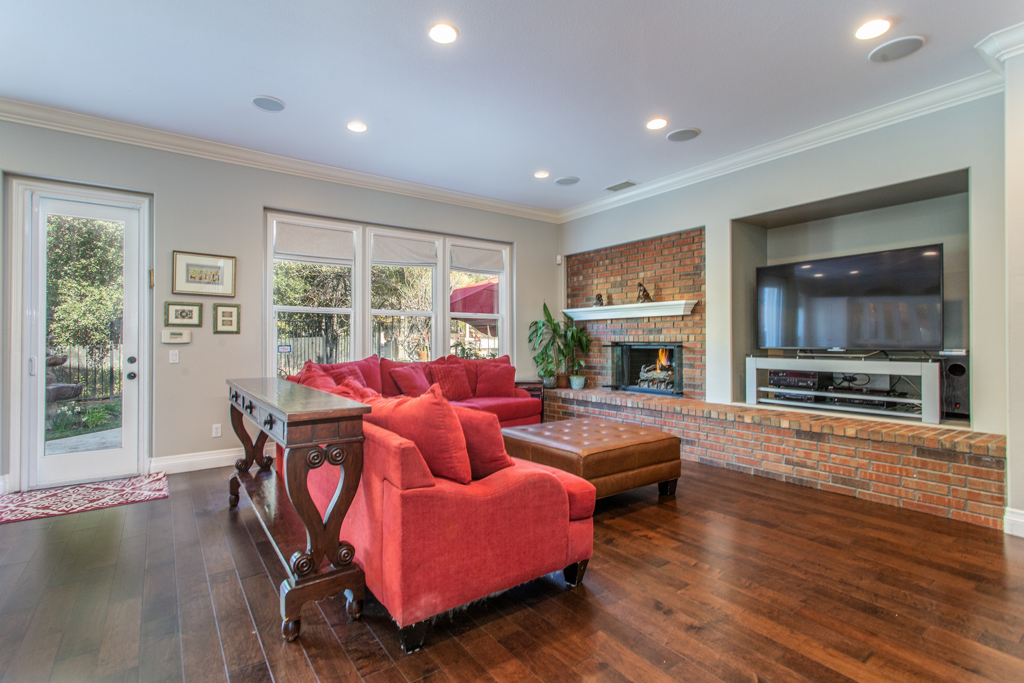 1543 Sycamore Canyon Dr - HsH Prod.-26.j