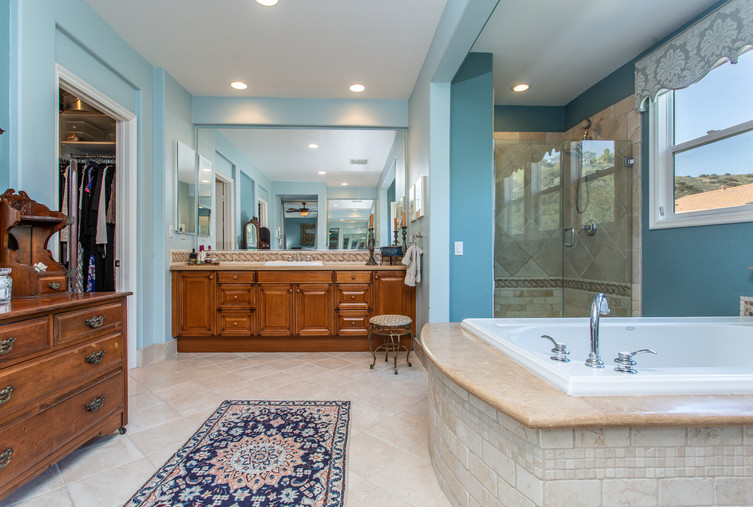 1543 Sycamore Canyon Dr - HsH Prod.-36.j
