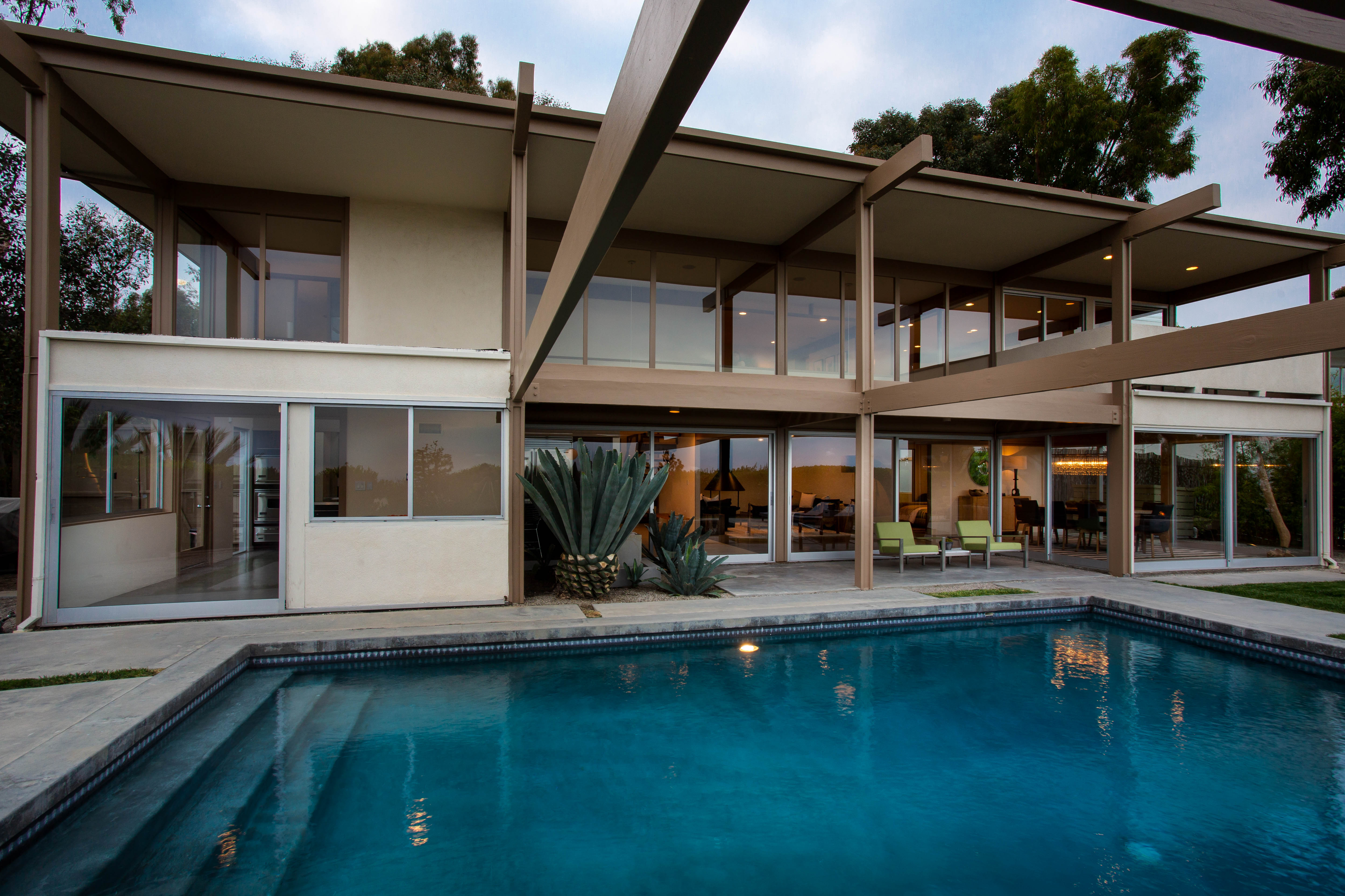 9892 Beverly Grove Drive  -  HsHProd-54