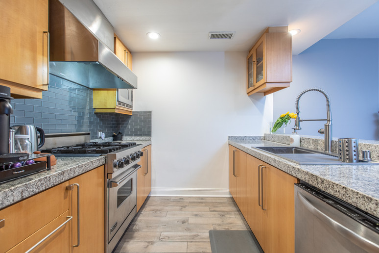 1521 Greenfield Ave. #101 - HsH Prod.-29