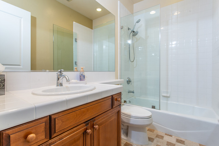 1543 Sycamore Canyon Dr - HsH Prod.-42.j
