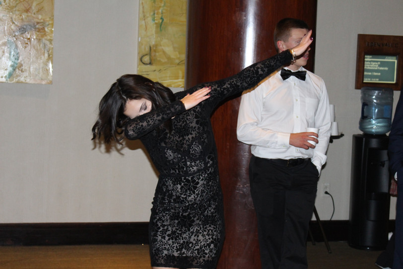 Emma Dabs on Banquet