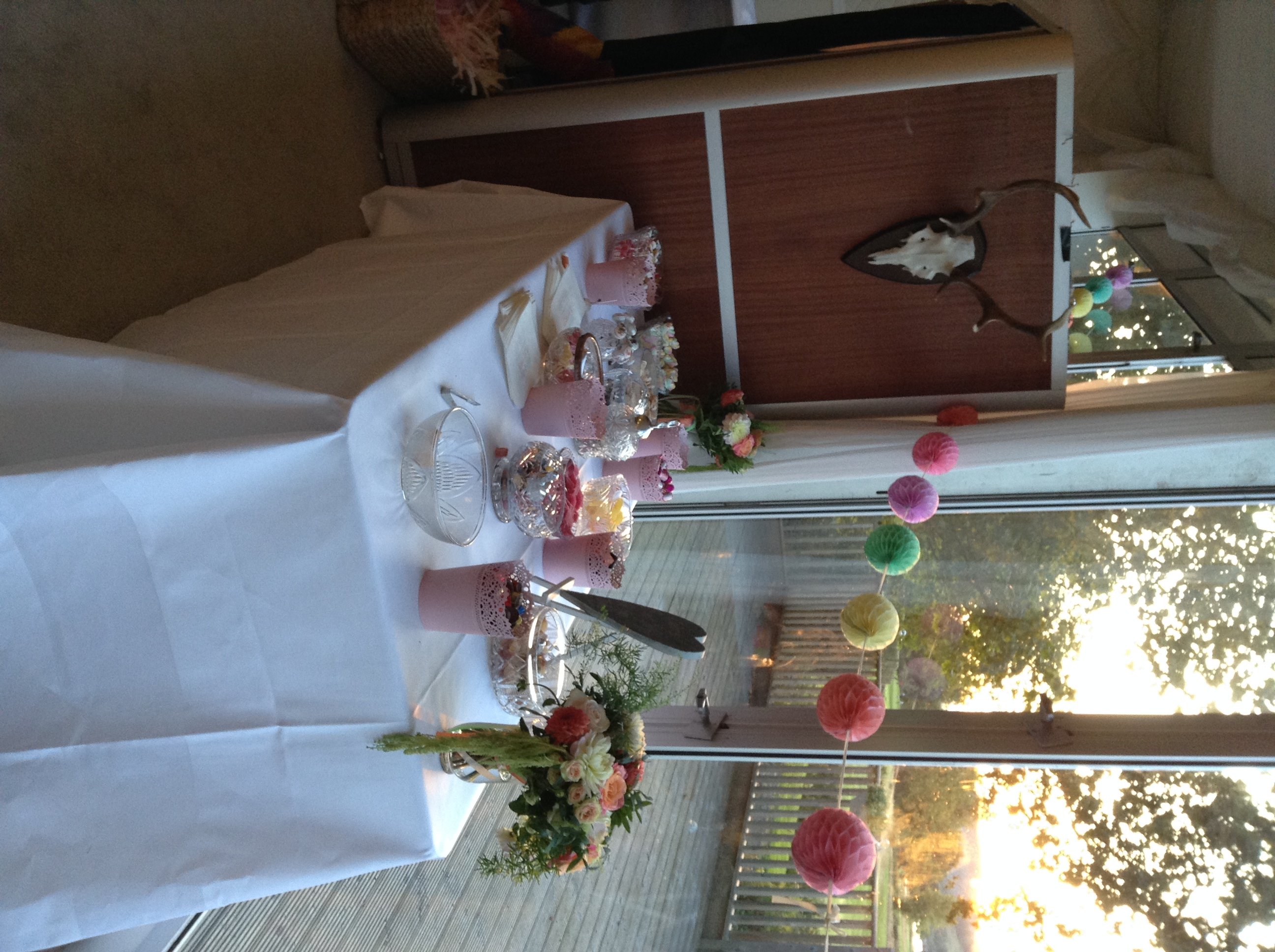 Antler_booth_custom_decorations