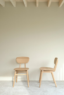 50664_oak_pebble_chair_2_web.jpg