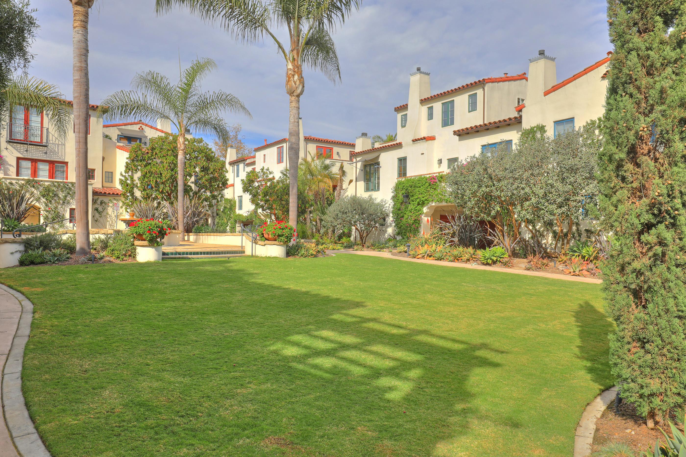 212 Santa Barbara St $1,398,000