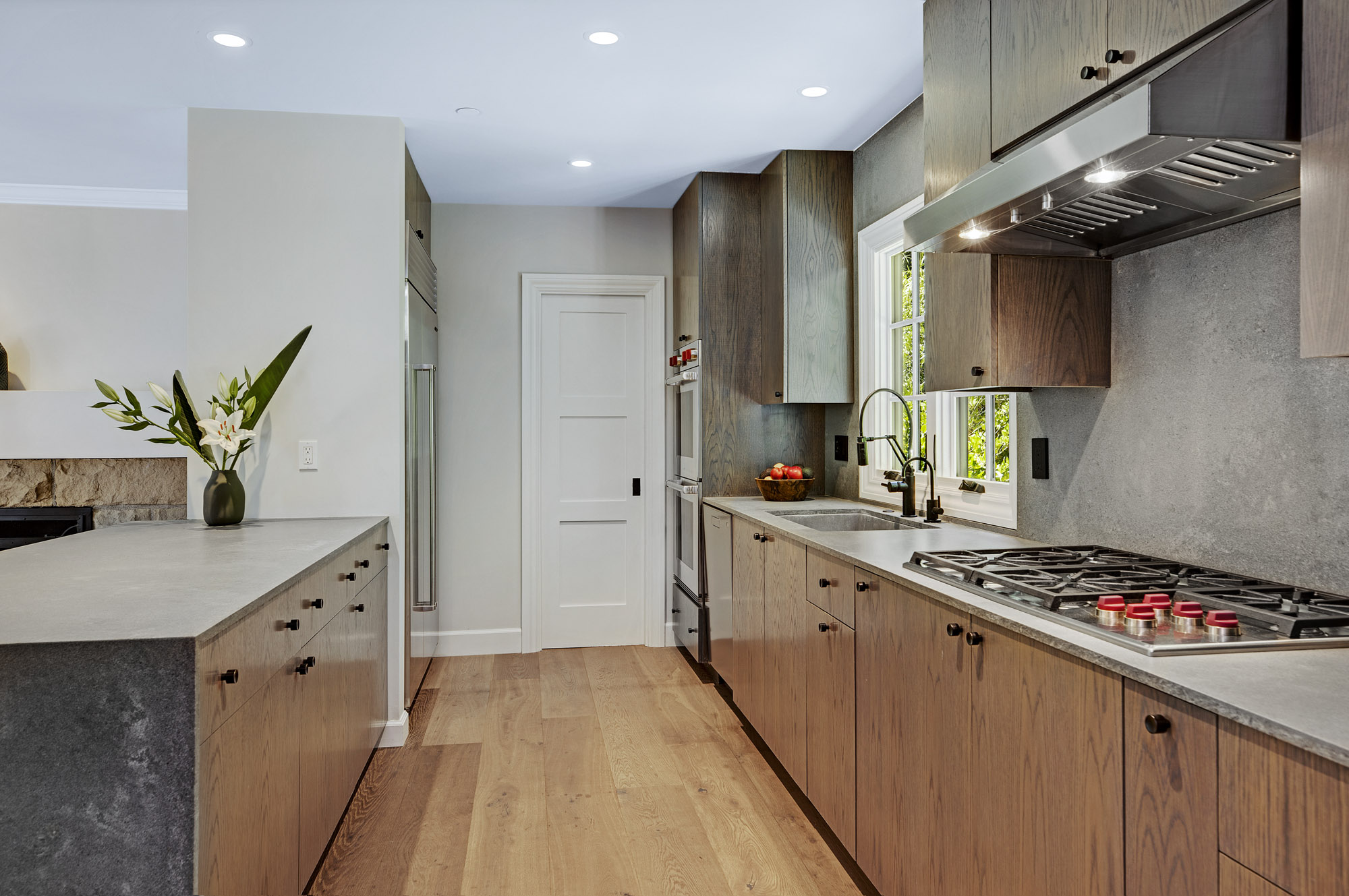 Kitchen w: Wolfe & Subzero