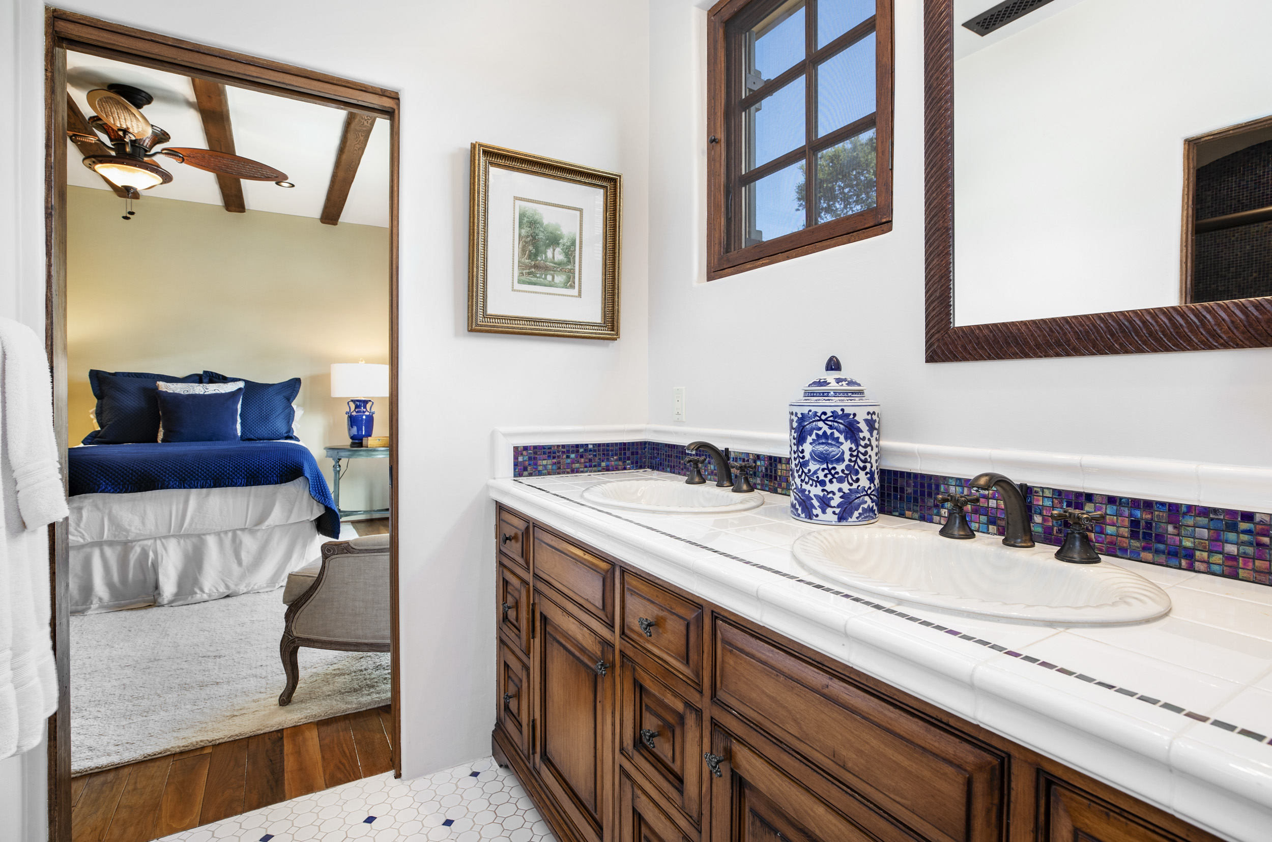 710 Romero_Jack&Jill Bath for Bedrooms 2