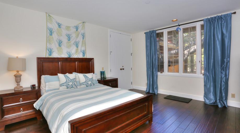 Bedroom Suite 3.jpg