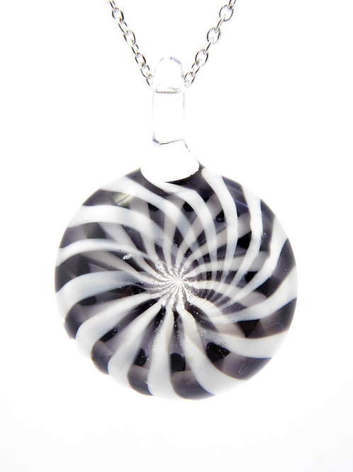 V19 glass pendant / pendentif en verre