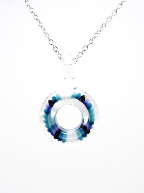 Lifesaver5 glass pendant / pendentif en verre