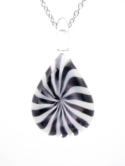V9 glass pendant / pendentif en verre