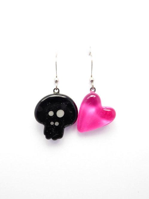 SK12bpk glass earrings / boucle d'oreilles en verre