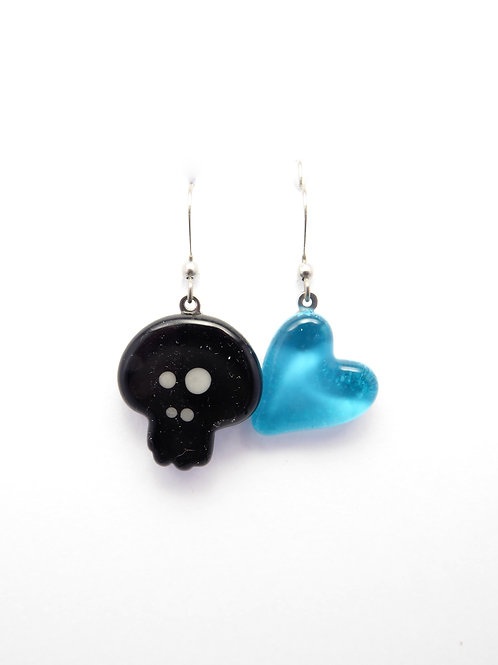 SK12bt glass earrings / boucle d'oreilles en verre