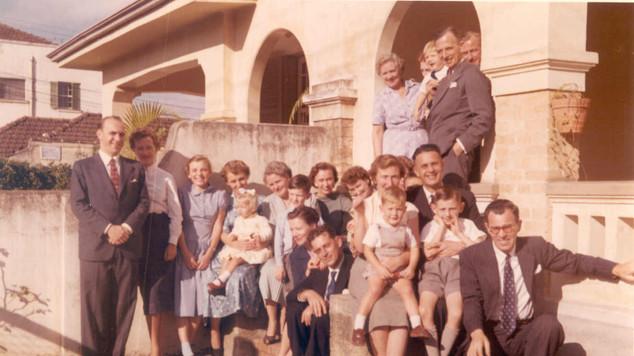 1953 Munro & Friends Haggis Row