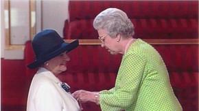 2001 Dora AndersonPinning Medal.jpg