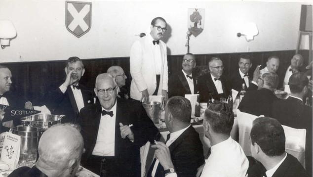 1963 Banquet Hunter
