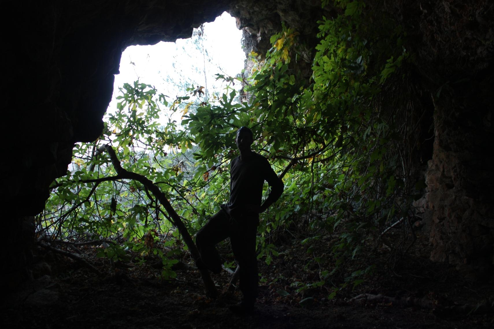 פתחה העליון של המערה - מבט מבפנים