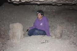 זקיף גדול בחלל המרכזי במערה